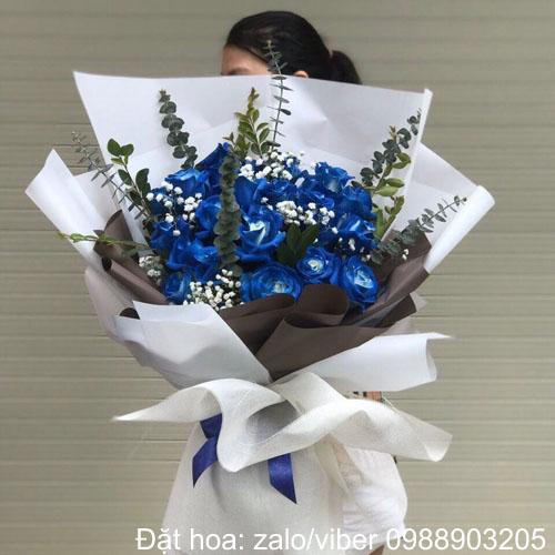 hoa màu xanh