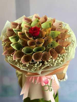 Bó hoa bằng tiền polime 200k