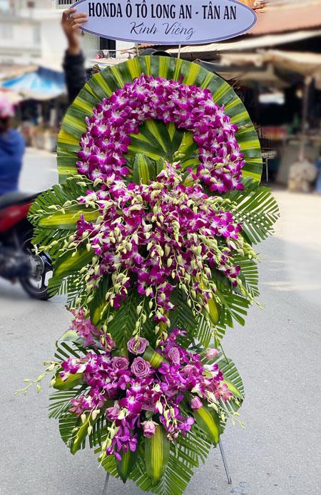 Hoa chia buồn, hoa tang lễ là món quà tưởng niệm tôn vinh cuộc sống của Họ