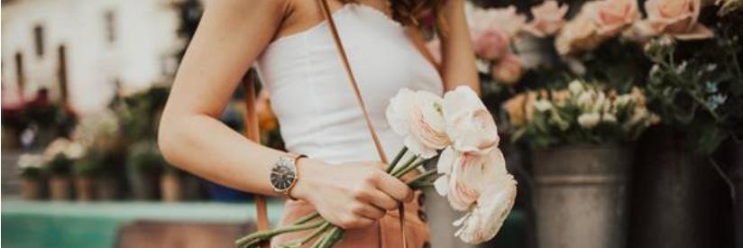 Tặng hoa người yêu