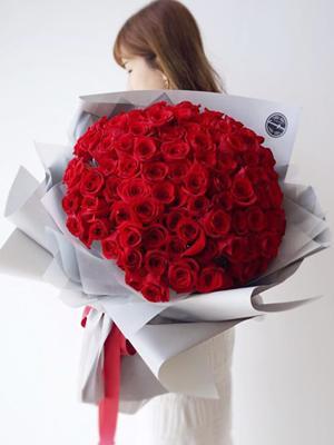 99 bông hồng nhập đỏ