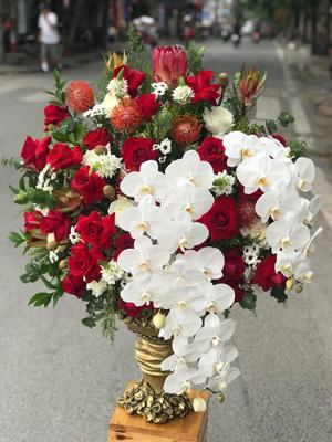 Bình hoa tặng sếp