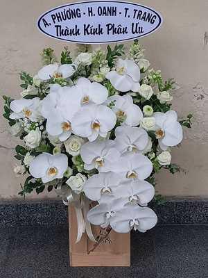 Giỏ hoa phúng viếng