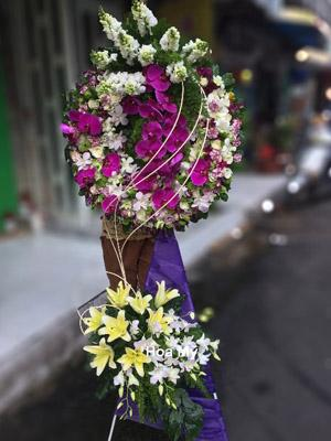 Gửi hoa chia buồn