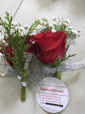 Hoa cài áo hoa hồng