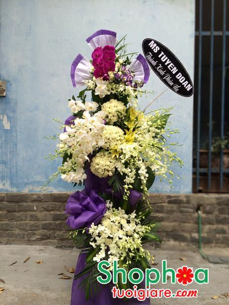 Đặt hoa chia buồn 125 phùng hưng